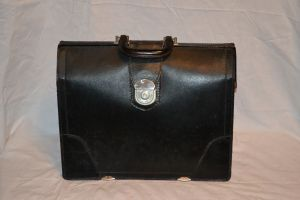 Dr. bag Attache case